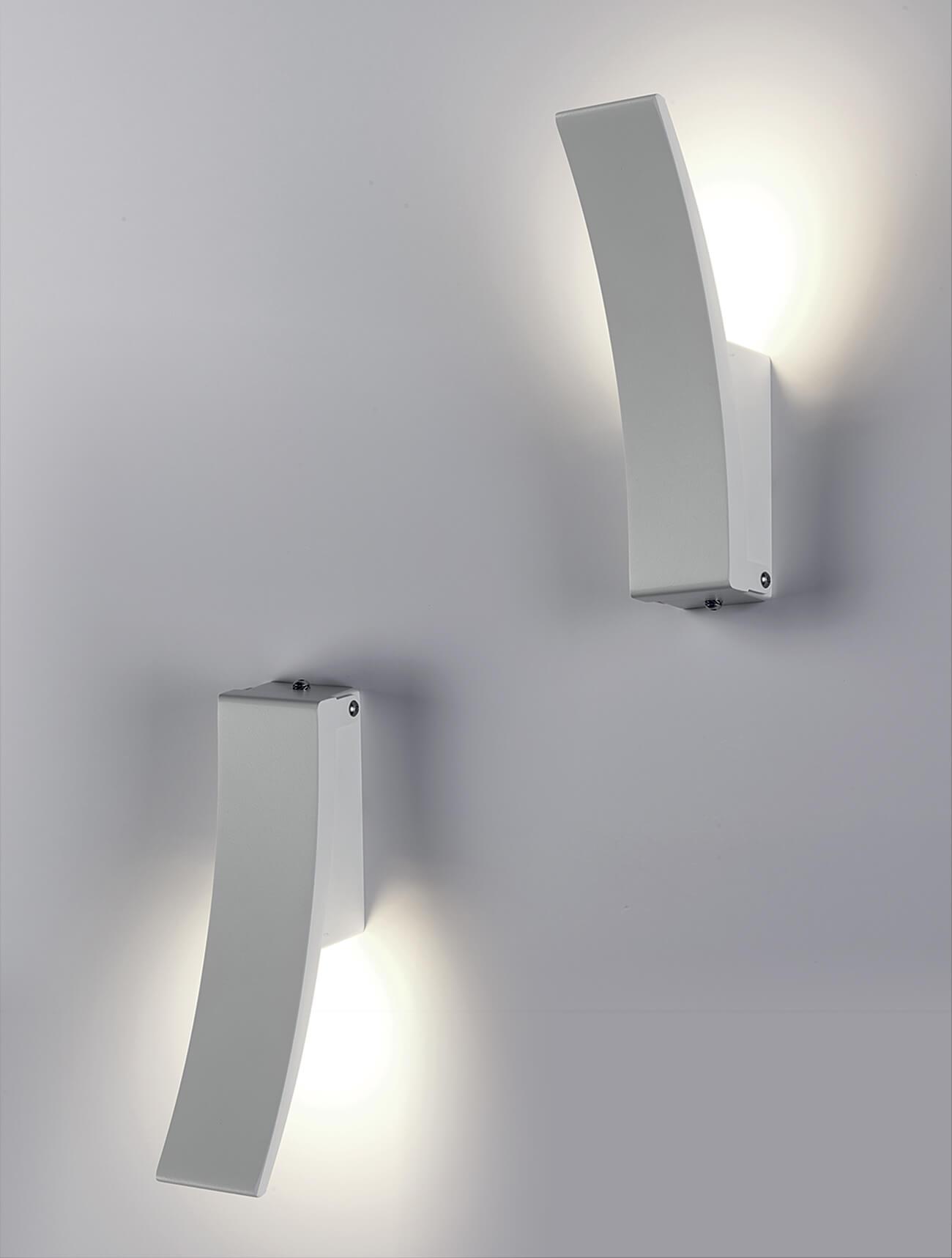 virgola-lampada-parete-tn